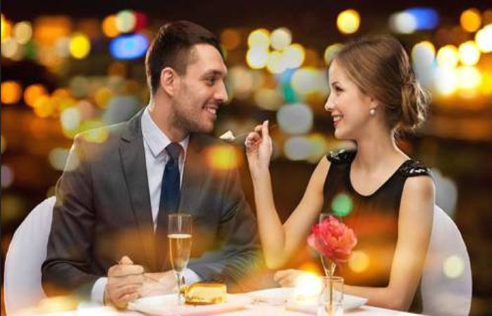 5 Romantic Anniversary Surprise Ideas for your Loving Partner