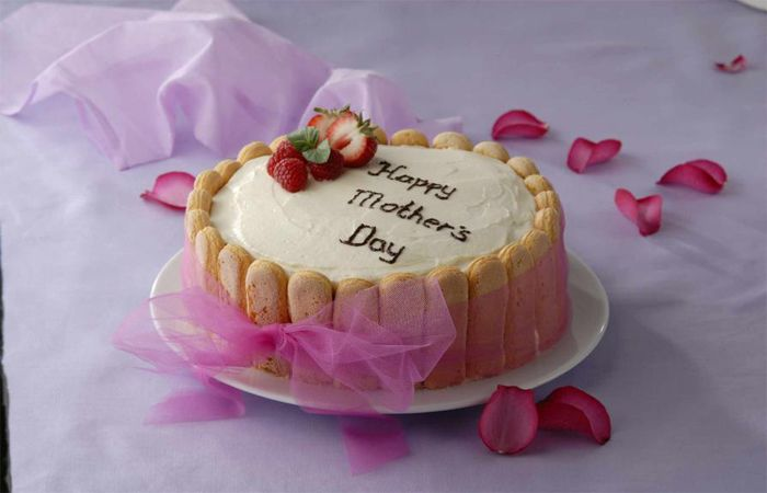 Top Most Types of Cakes to order on Mother's Day