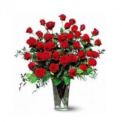 Send easter gifts to india easter gift flowers cakes delivery 30 red roses vase negle Image collections