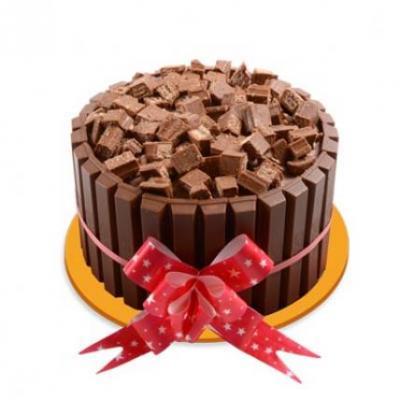 Kitkat Premium Cake