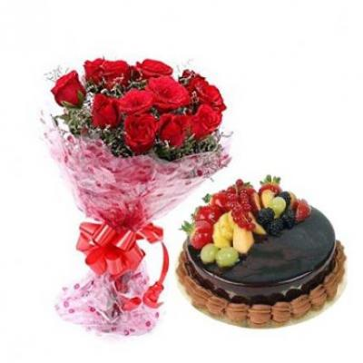 Red Roses With Fresh Fruit Cake