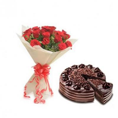 Red Roses With Choco Chip Cake