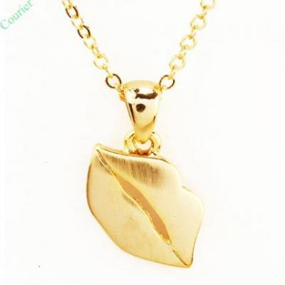 Lips Gold Pendant