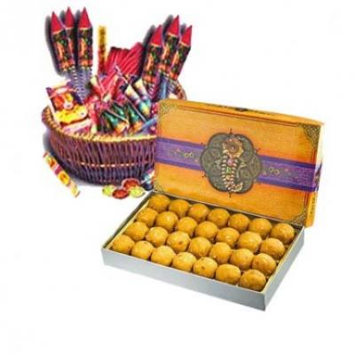 Besan Laddu With Assorted Crackers