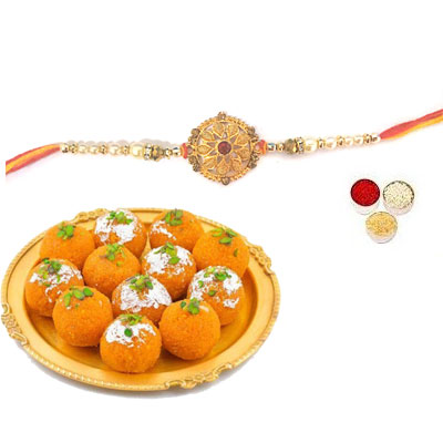 Well Designed Rakhi With Laddu
