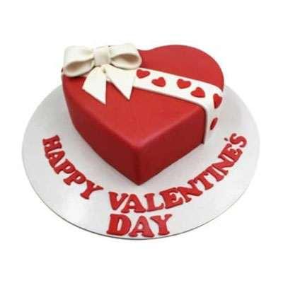 Fondant Valentine Day Ribbon Cake